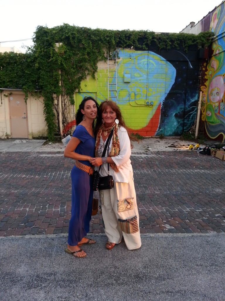 2014 05-22 ESC offsite for St. Pete MURAL TOUR - Jenna and Emily